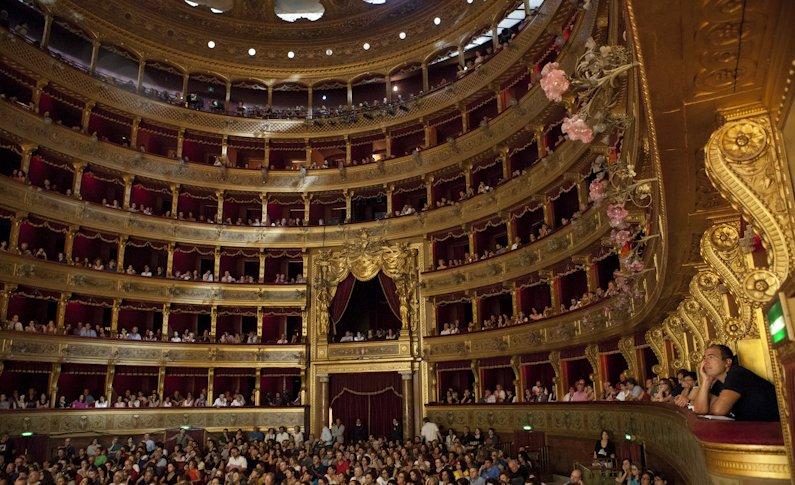 Palermo. Restauro delle scale delle logge del Teatro Massimo - Libertà Sicilia